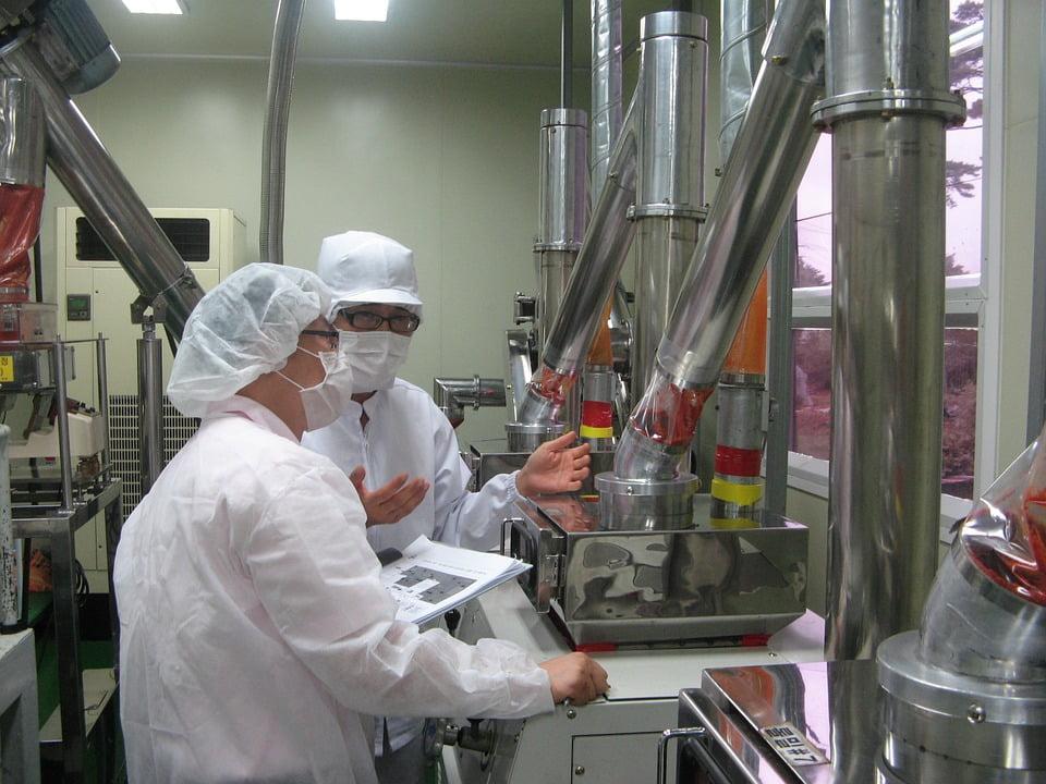 食品工場で弱酸性次亜塩素酸水溶液を使う